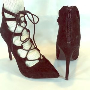 Steve Madden black suede lace up ankle boot